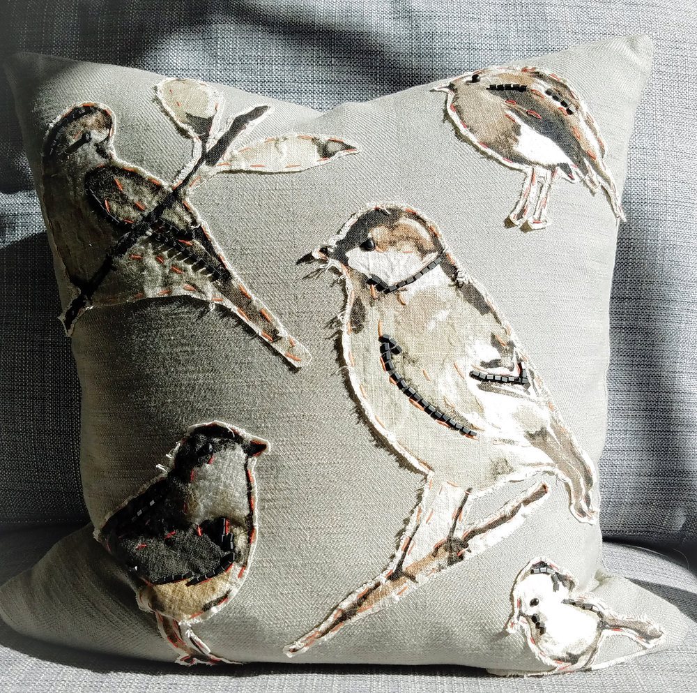 Bird pillow with hematite