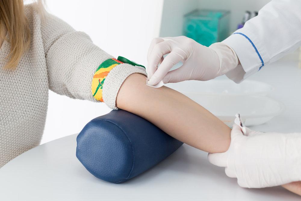 PRÉLÈVEMENTS SANGUINS,URINAIRES et autres  Vous avez une ordonnance pour vos prélèvements sanguins, urinaires ou autres prélèvements? Vous ne voulez pas faire la file et attendre des heures? Venez nous voir! Nous offrons une option rapide et efficace de faire vos prélèvements.  Sur rendez-vous,  à l'heure qui vous convient dans le confort de notre clinique.  Vous et votre médecin recevrez les résultats dans un délai de 24  à 48 heures. Nous utilisons un laboratoire privé pour l'analyse de vos prélèvements. Les coûts sont remboursés par la majorité des assurances privés.