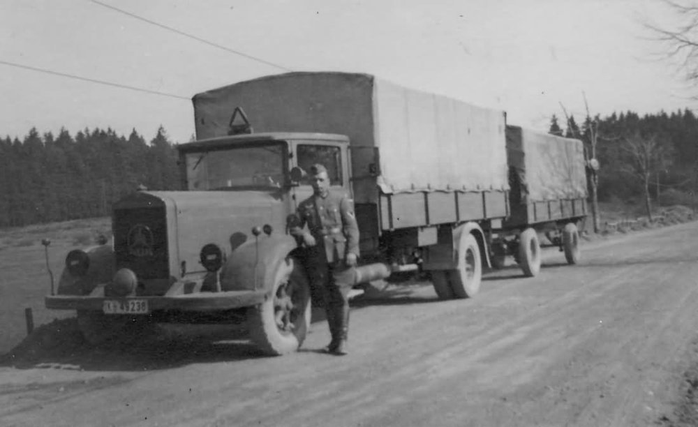 A 1930s ideal of motorisation:Mercedes L3750 towing trailer with a combined load of 8 tonnes.