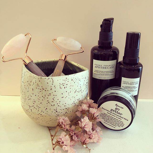 I don't know about you guys but ever since this cold, dry weather started my skin has been screaming for help, in particular my face. So, I started a new evening ritual of cleansing and nourishing my face with these rich, refreshing products and my face has been singing hallelujah ever since. . . . . . . #organic #cleansing oil #facialtonic #quartzroller #antioxidant #nourishing #skincare #madeincanada #handcrafted #selfcare #newrituals #aromatic #apothecary #smallbatch #selflove #hallelujah