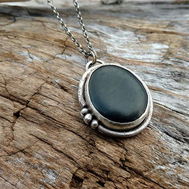 I have always had an affinity for stones. The way they feel in my hands, all the different colours, textures and the way they can, at times, make me feel  grounded. You can imagine how much I love this Tofino beach stone cast in sterling silver by @verdiblu, one of our newest Jewellers. . . . . #westcoast #westcoastbeach #jewellery #stones #sterlingsilver #madelocally #handmade #cortezisland #tofino #downtowncumberland #shoplocal