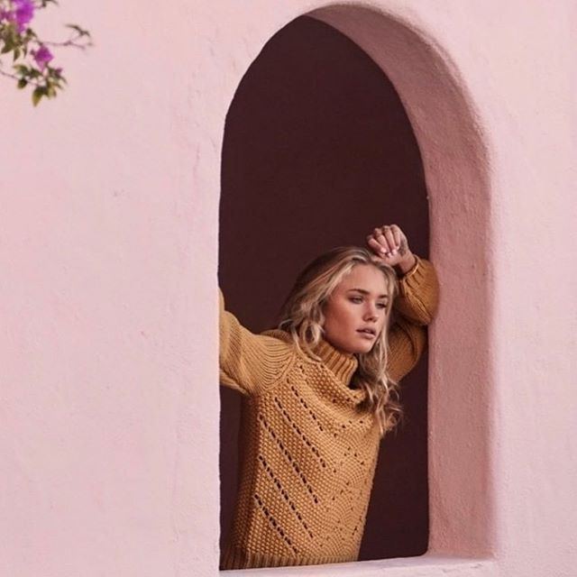 A shot of this gorgeous mustard sweater that i love. . . . . . . #mustard #love #cotton #sweater