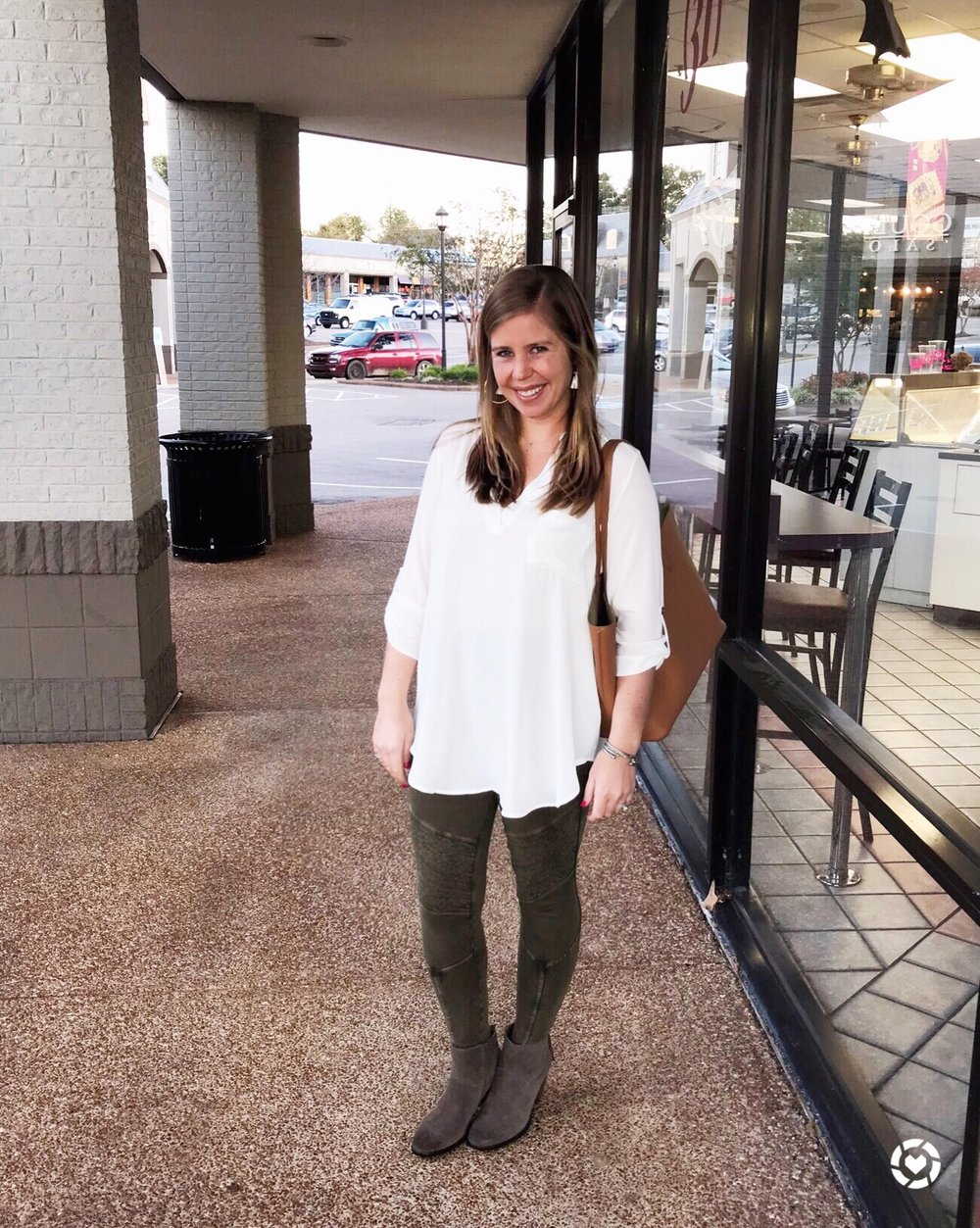 This tunic    that I wear ALL the time now comes in 8 colors and is on sale for $28.90! I'm ordering another one in evergreen before the sale ends! //    Leggings