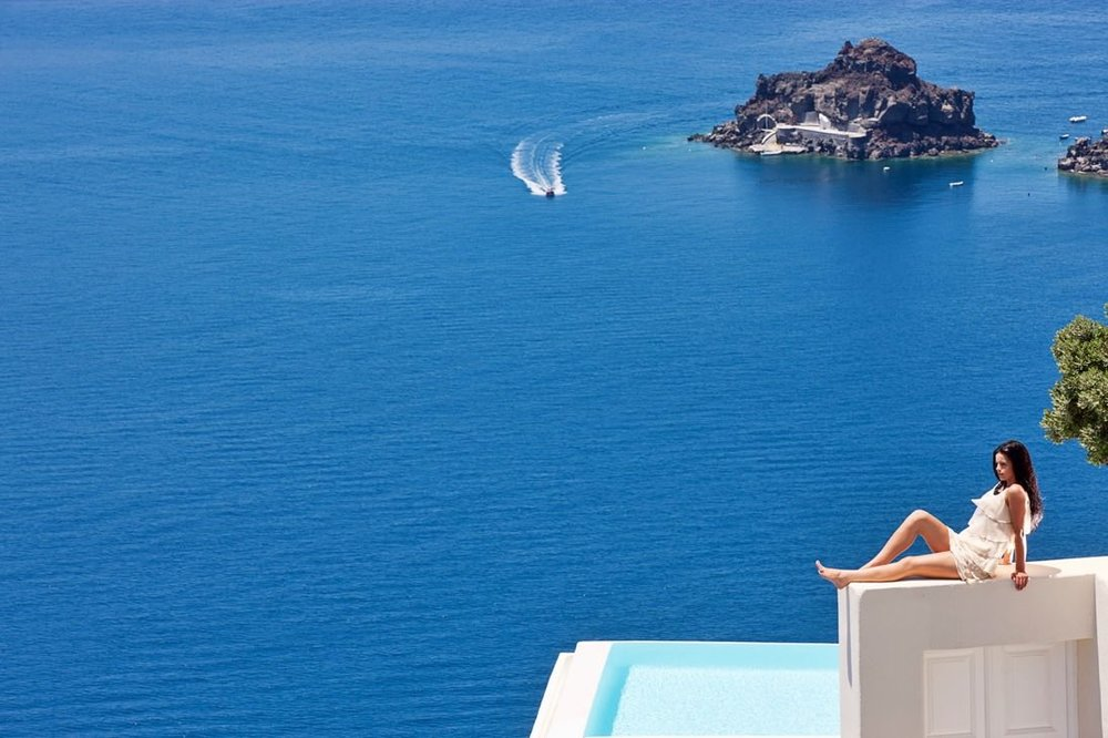canaves_oia_suites_caldera-views-10.jpg