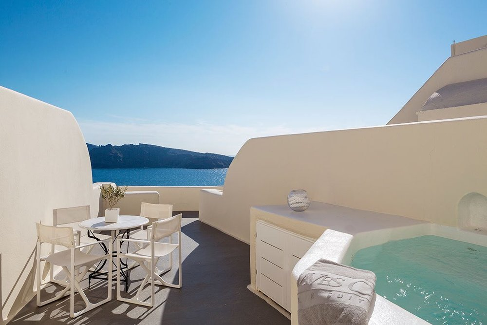 canaves_oia_suites_acc-3.jpg