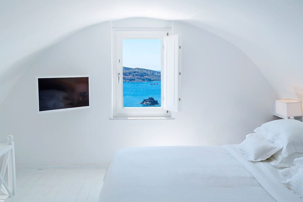 canaves_oia_suites_acc-5.jpg
