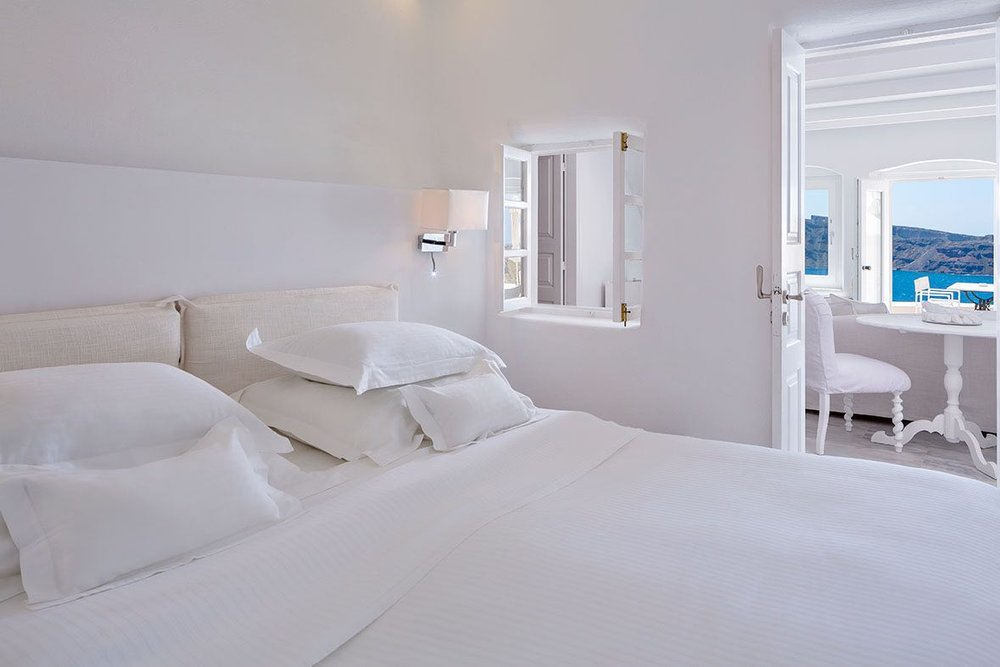 canaves_oia_suites_acc-6.jpg
