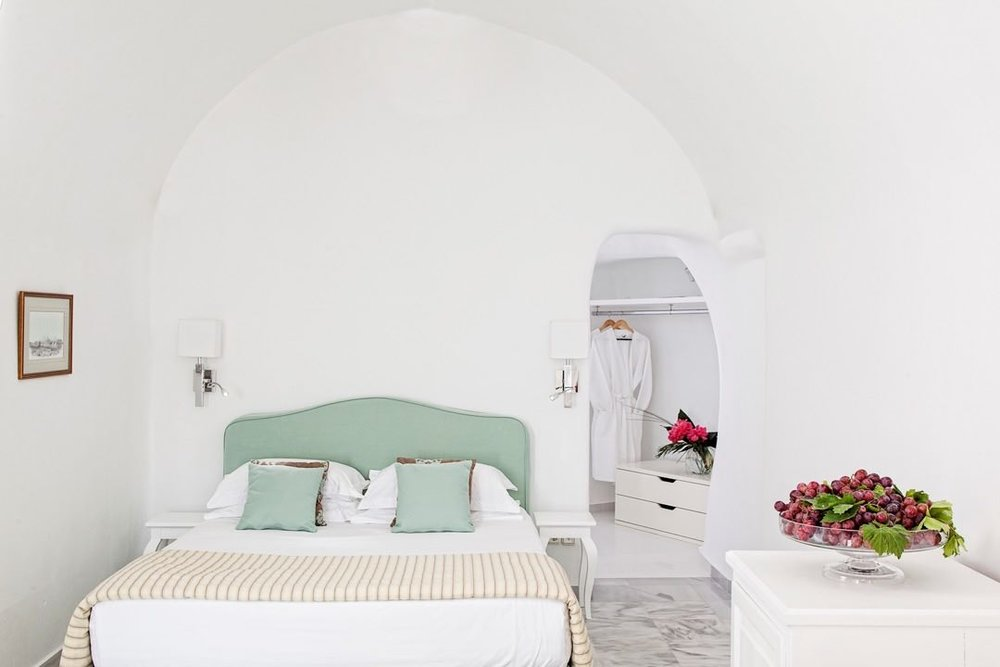 canaves_oia_suites_acc-14.jpg