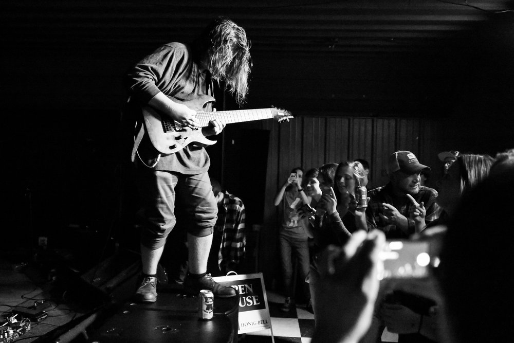 Silas Gillman of The Royalists plays another face-melting guitar solo at Rail II. (© Mike Rundle)