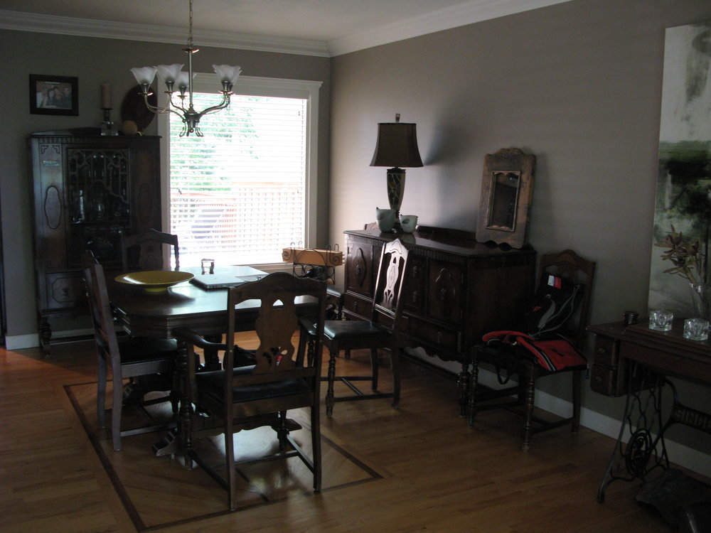 dining room before (home 3)
