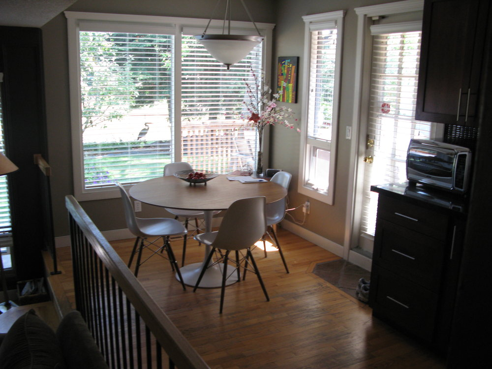 breakfast nook before (home 3)