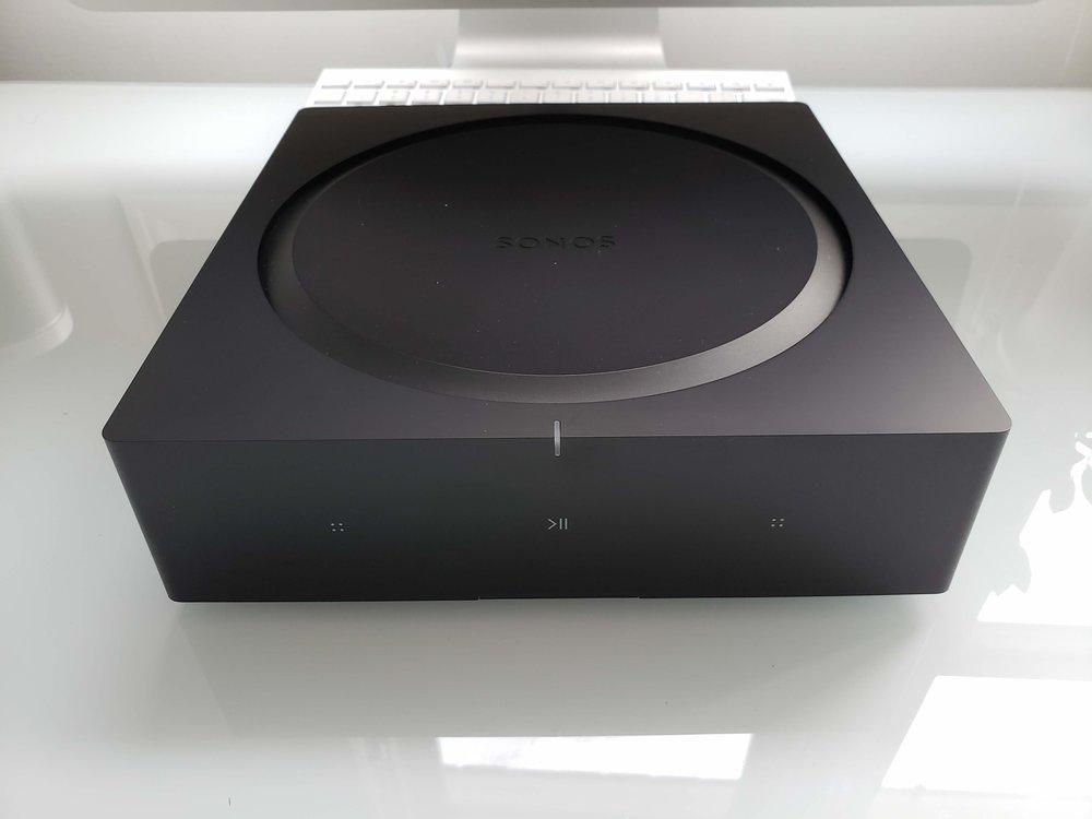 Sonos Amp  designed to power built in speakers