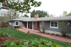 62 Meadow View Road, Orinda   3 Beds | 2.5 Baths  $1,465,000  Represented: Seller
