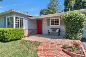 77 Meadow View Road, Orinda   4 Beds | 2 Baths  $1,300,000  Represented: Seller