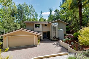 63 Moraga Via, Orinda   4 Beds | 3.5 Baths  $1,410,000  Represented: Seller