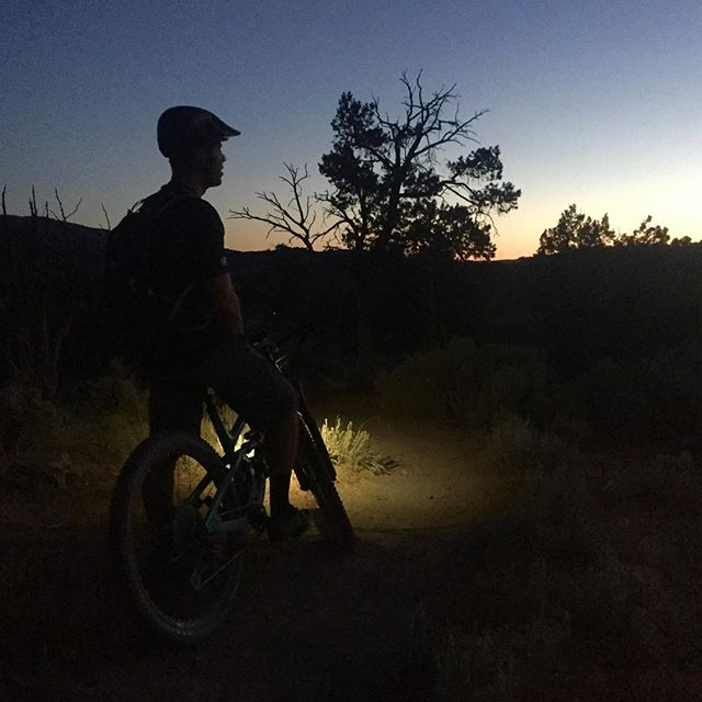 These fall sunsets have the ability to stop us right in our tracks and just take it all in. -  Follow the link in our bio to support our Kickstarter campaign! • • • #bikelights #mtb #nightriding #startuplife #mysticdevices #exploretheunknown #kickstarter #kickstartercampaign