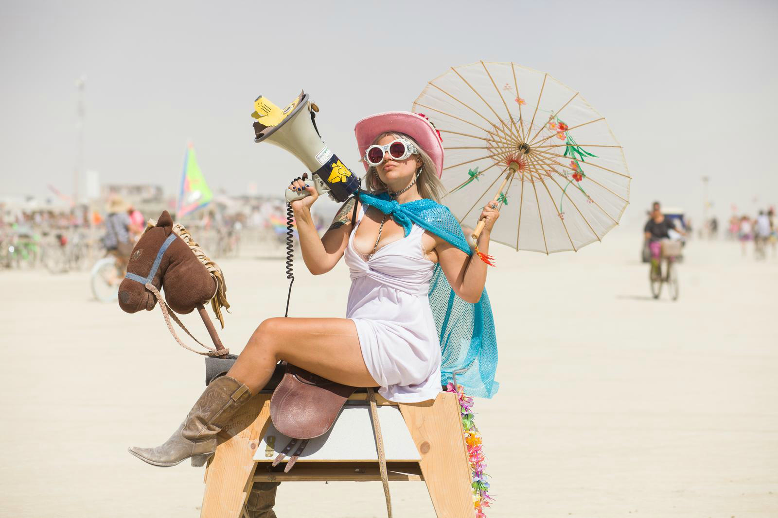 Une participante du Burning Man a Black Rock City. Photo: Remi Jaouen