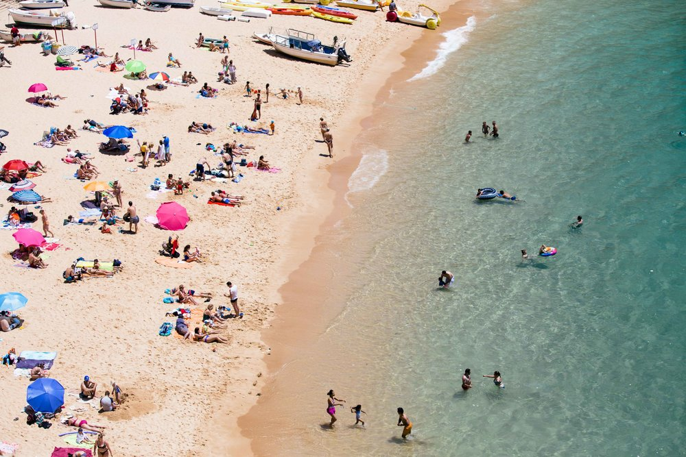 Tourists and Portuguese enjoying the summer holidays in Algarve. Photo: Marine Raynard