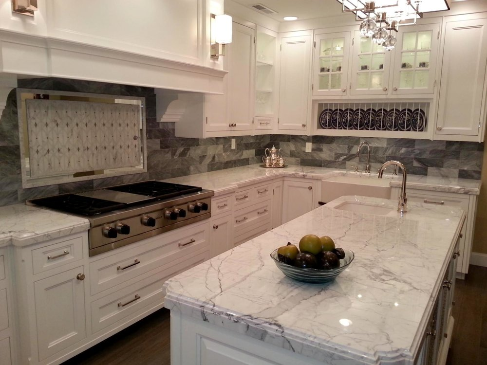 Kitchen-Cabinets-With-Granite-Countertops.jpg