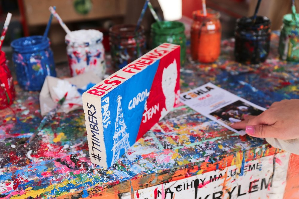24 hours in prague: Paint a brick