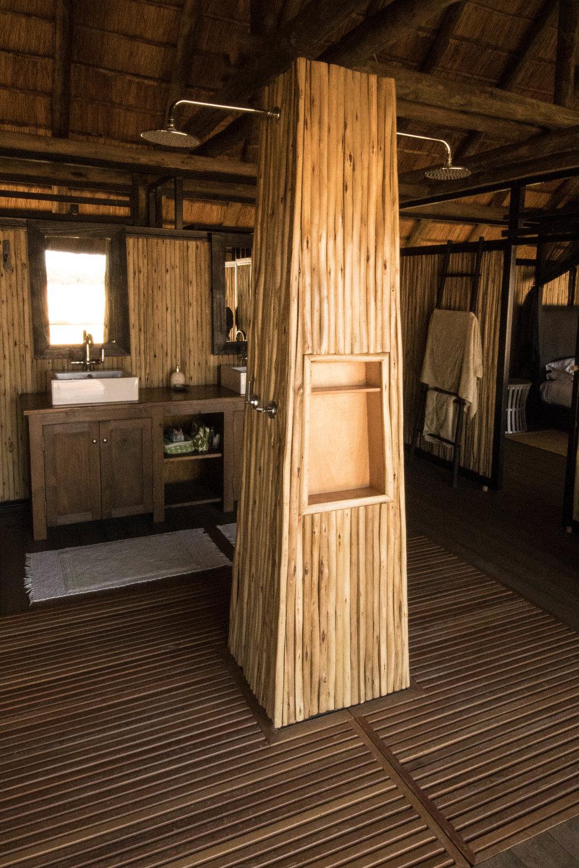 Honeymoon Villa Twin Showers