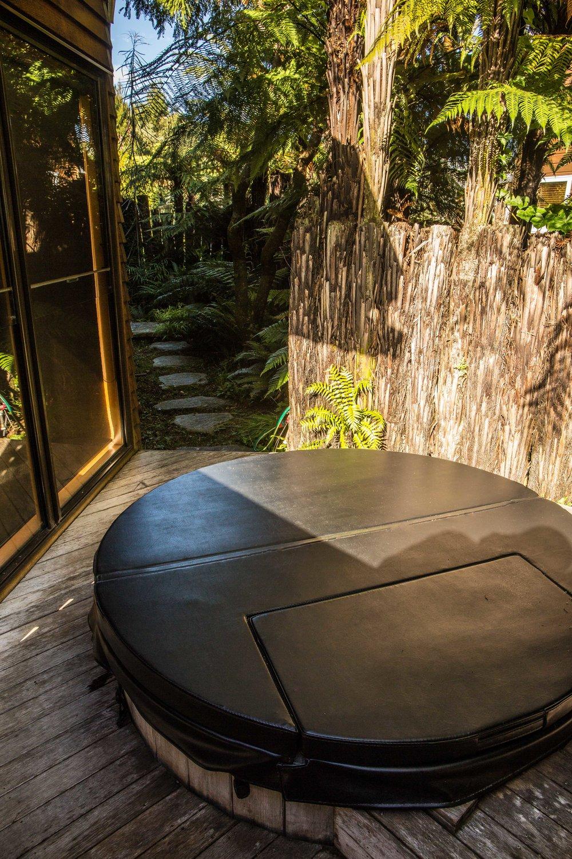 Admirals Room - Outdoor Hot Tub