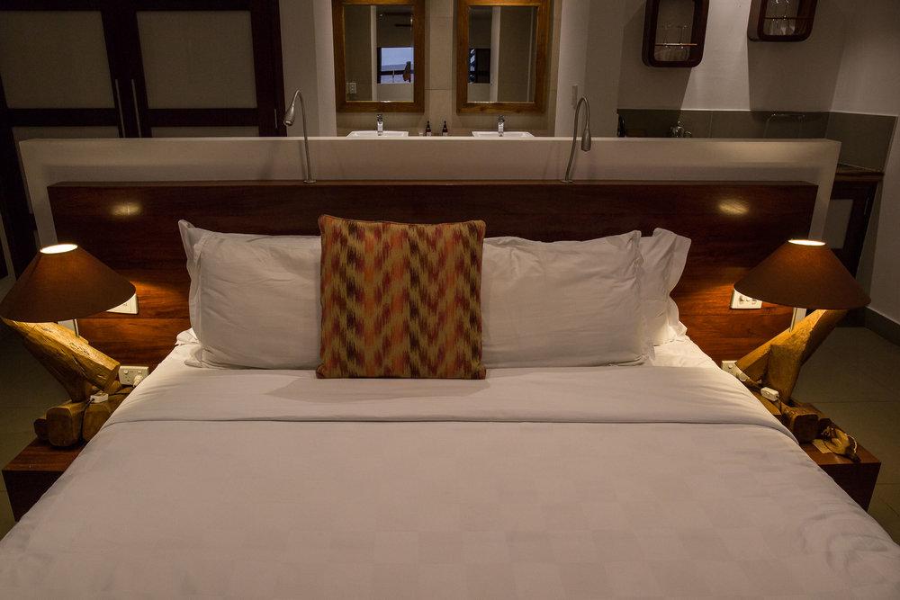 Kingsize Bed, Waterfront Villa, The Havannah, Vanuatu