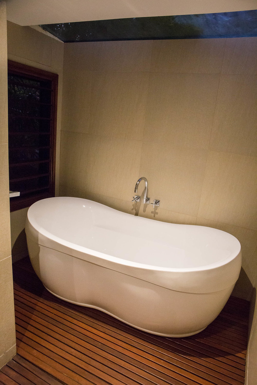 Large bath, Waterfront Villa, The Havannah, Vanuatu