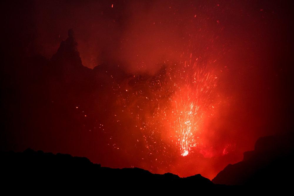 Mount Yasur Volcano Cauldron Explosion II.jpg