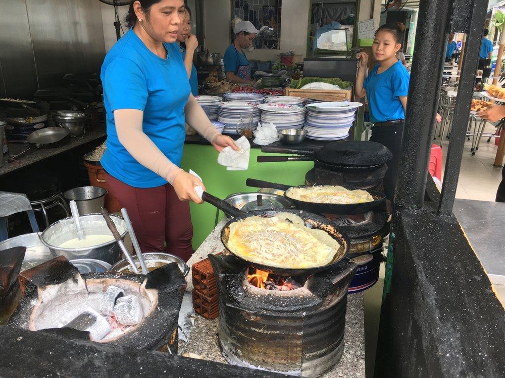 The making of Bahn Xeo at Bánh Xèo Đinh Công Tráng