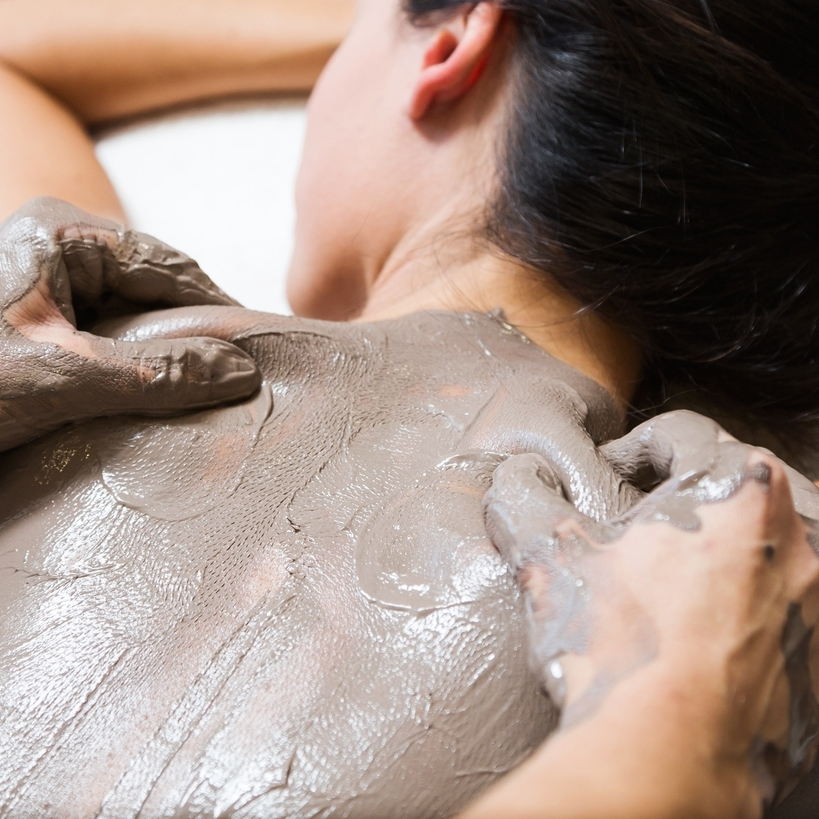 BACK TREATMENT   Treat your back to this treatment, which cleanses, exfoliates, and moisturizes your back's skin while relaxing tension with massage.  45-minute session: $60