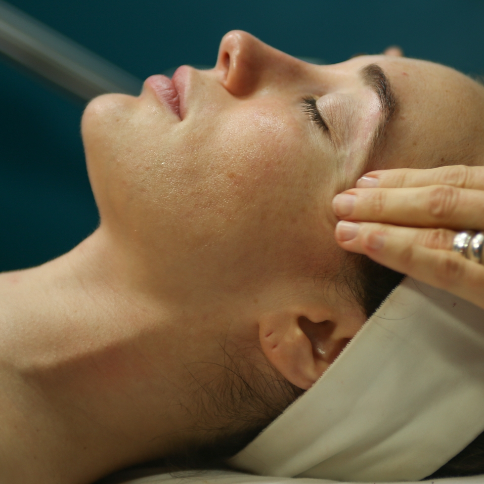 SOOTHING EYE TREATMENT   Calm tired eyes with the use of a cooling hydrating mask and pressure point massage to detoxify and stimulate lymphatic drainage and target fine lines, improve elasticity, and brighten the eye area.  30-minute session: $40