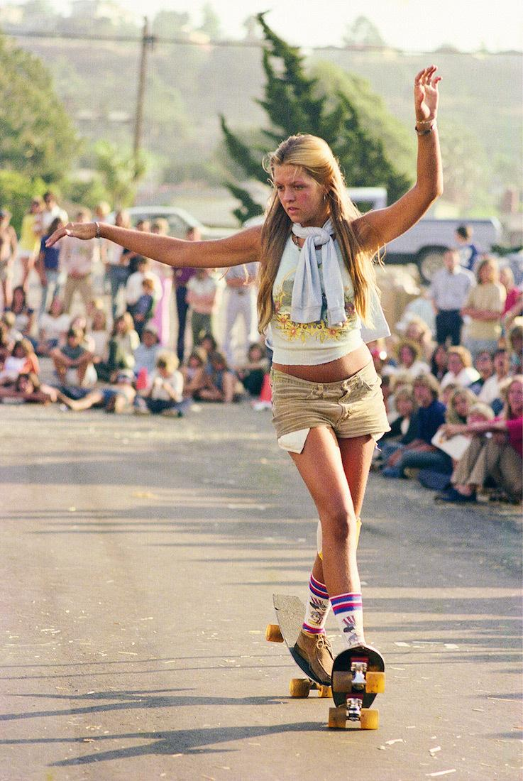 rediscovered-photos-of-the-70s-hollywood-skate-scene-body-image-1439398990.jpg