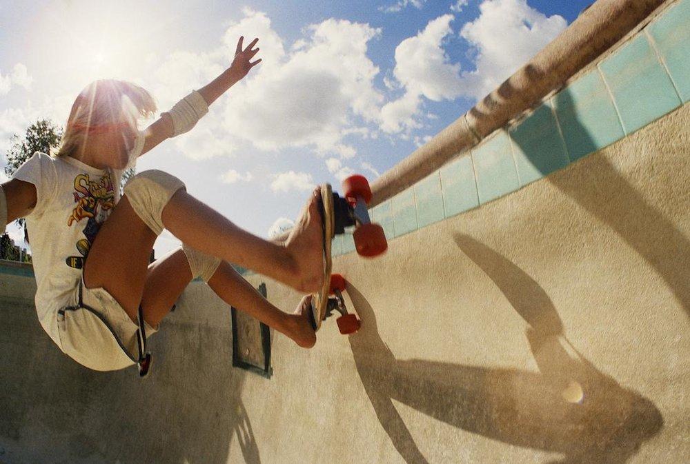 rediscovered-photos-of-the-70s-hollywood-skate-scene-body-image-1439399151.jpg