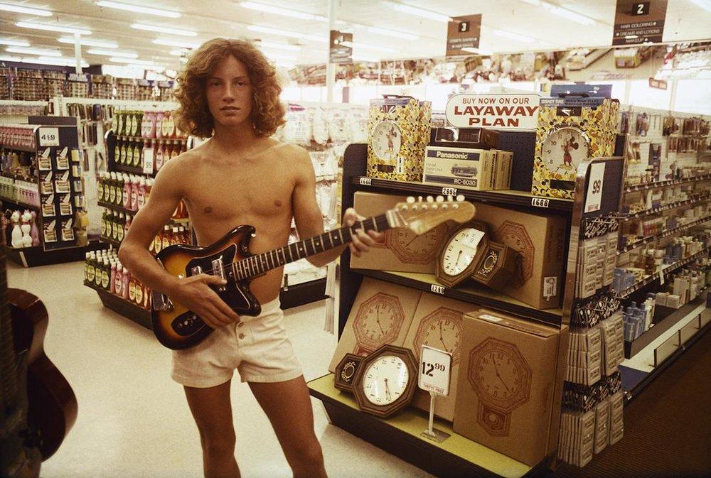 rediscovered-photos-of-the-70s-hollywood-skate-scene-body-image-1439399165.jpg
