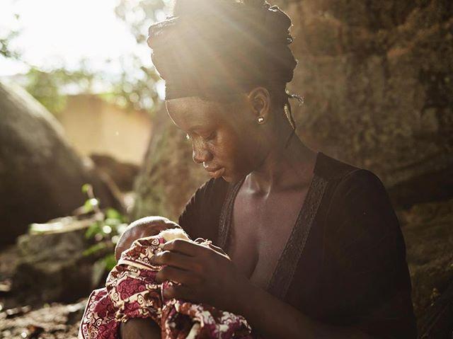 Repost @wateraid Katumu's baby Jusu was the first born in their village in Sierra Leone since it got clean water. Photo: @joeyldotcom #sierraleone #cleanwater #humanitarian #wateraid