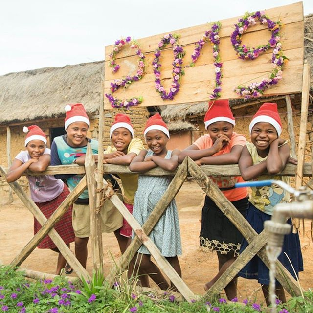 partner repost - @wateraidamerica : Happy 2019! As we welcome 2019, we renew our resolve to break the cycle of extreme poverty by reaching more of the 750 million people living without #clean #water. Join us!  Photo: WaterAid/Ernest Randriarimalala #madagascar #wateraid #cleanwater