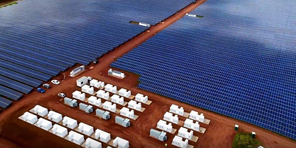 Solar Farm in Kauai, Hawai'i, with 52 MW-h of Tesla PowerPack Battery Storage