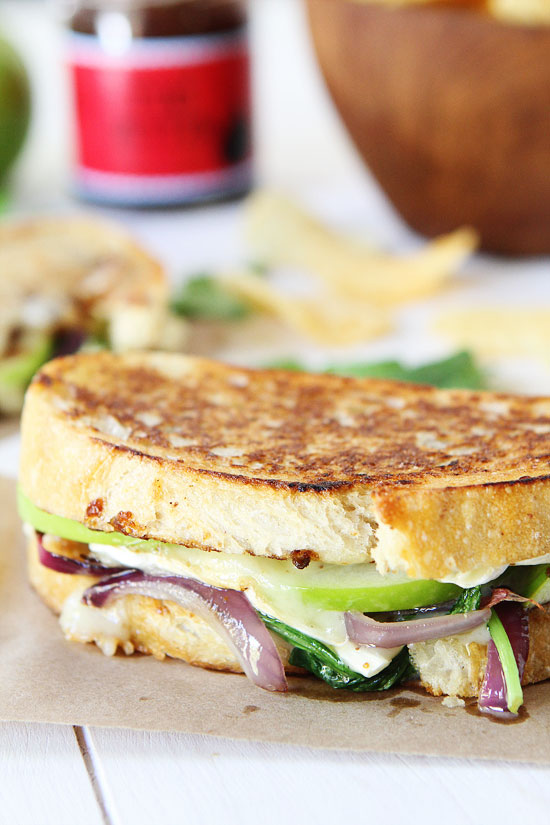 Brie-Fig-and-Apple-Grilled-Cheese-2.jpg