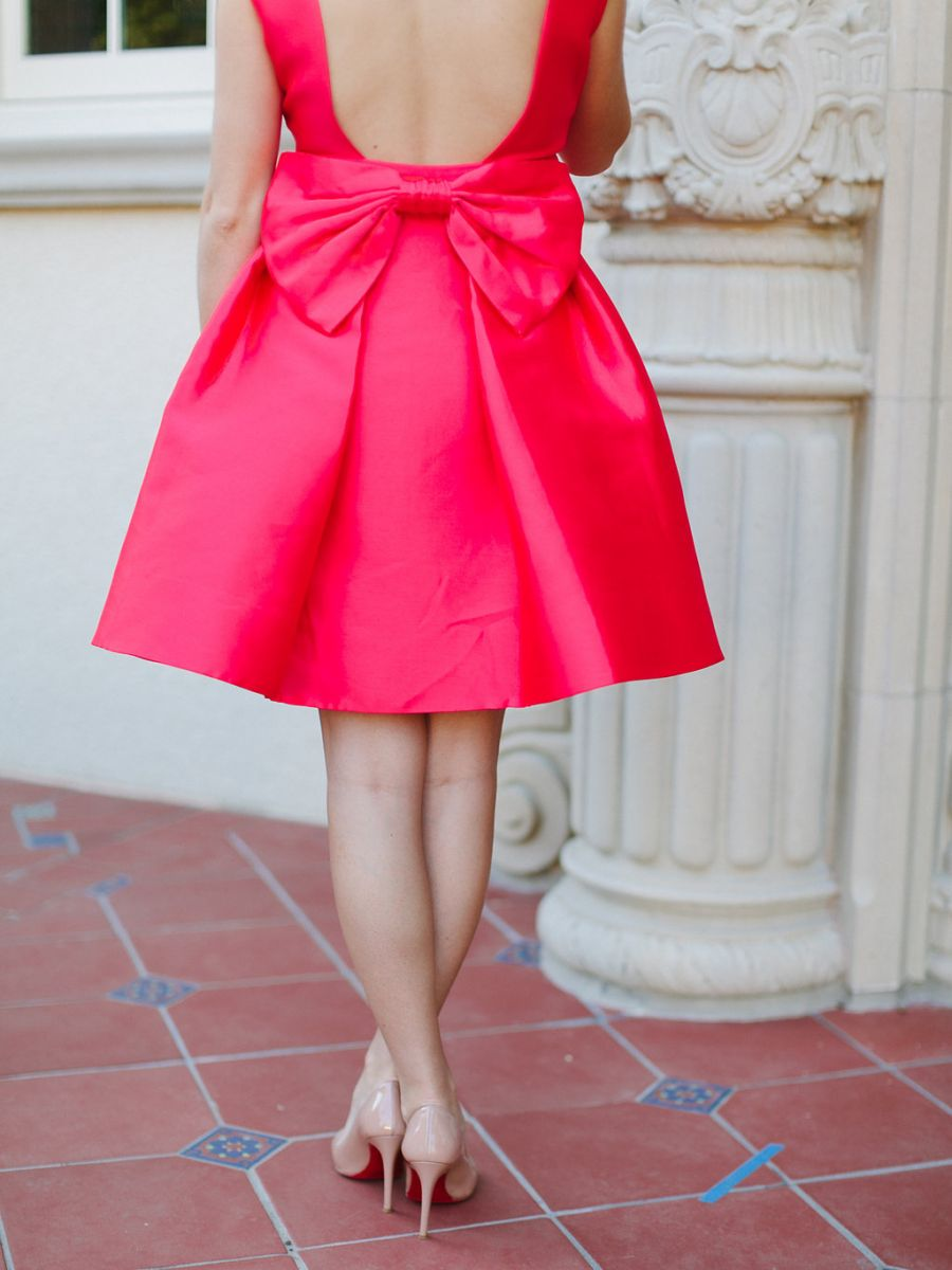 How-to-wear-a-bow-as-an-adult-the-everygirl-10.jpg