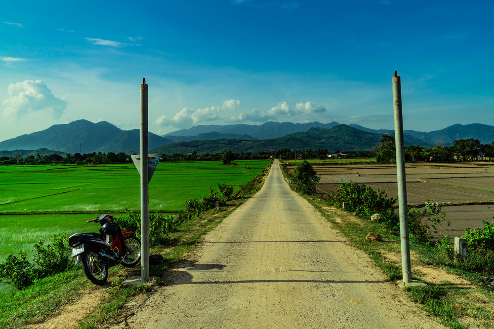 An open dirt road on the way to Nha Trang