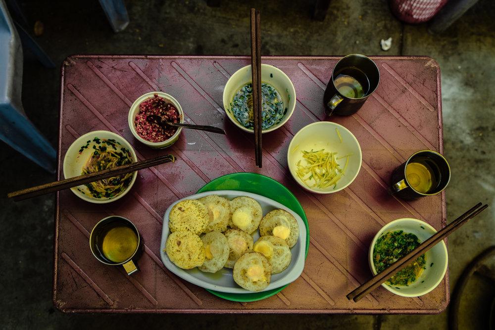 Bánh Căn with Tea Da tea for breakfast in Nha Trang!