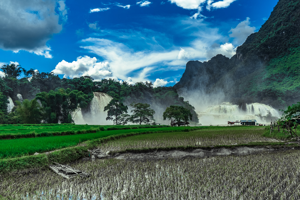 Ban Gioc Waterfall from the Vietnamese side. I'm shocked at how well this photo turned out!