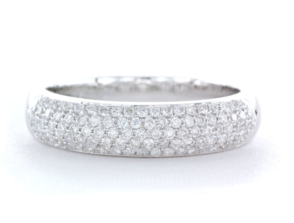 Whitegold Diamond Pave Band