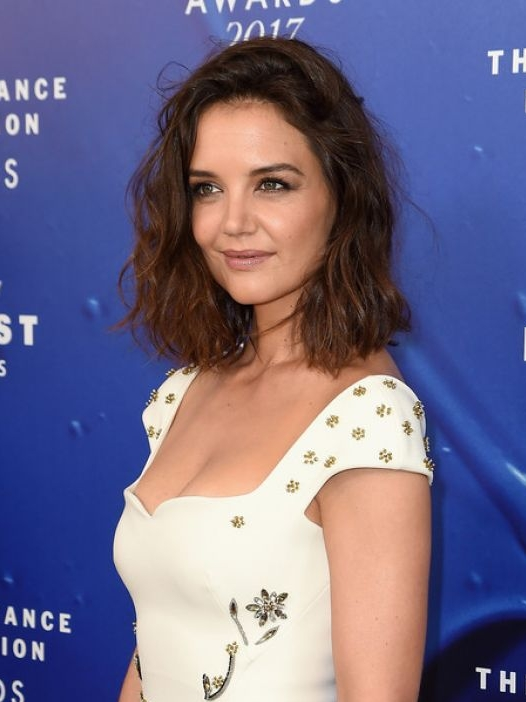 katie-holmes-at-2017-fragrance-foundation-awards-in-new-york-06-14-2017_1.jpg