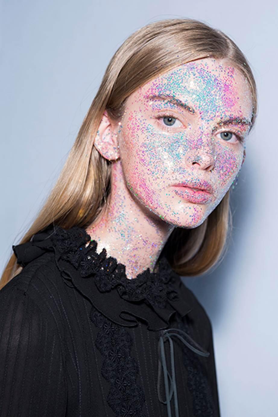 Glitter-Giambattista-Valli—Paris-Fashion-Week-Autumn_Winter-18 - Copy.jpg