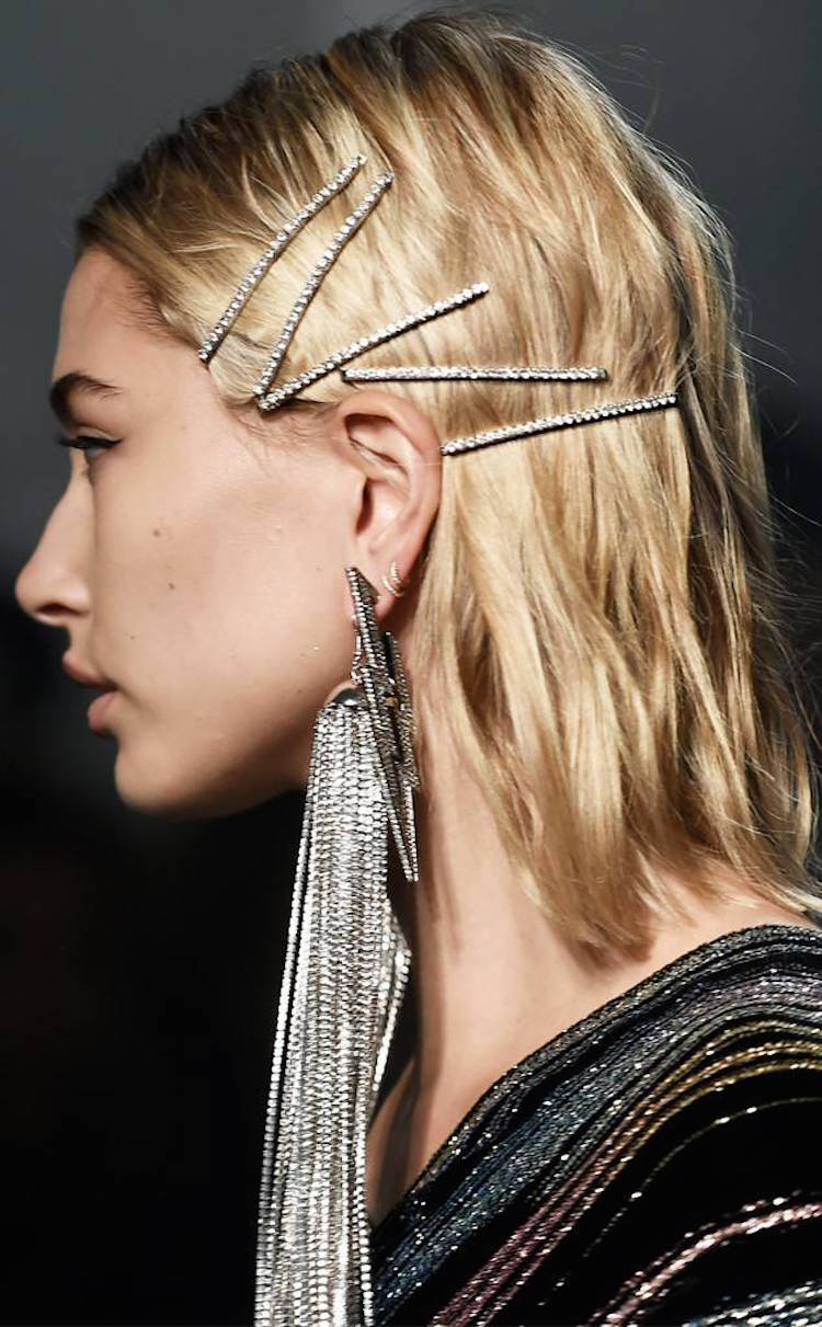 rs_634x1024-180215112132-634-Hailey-Baldwin-Zadig-Voltaire-Hair-CLips.jl_.021518.jpg