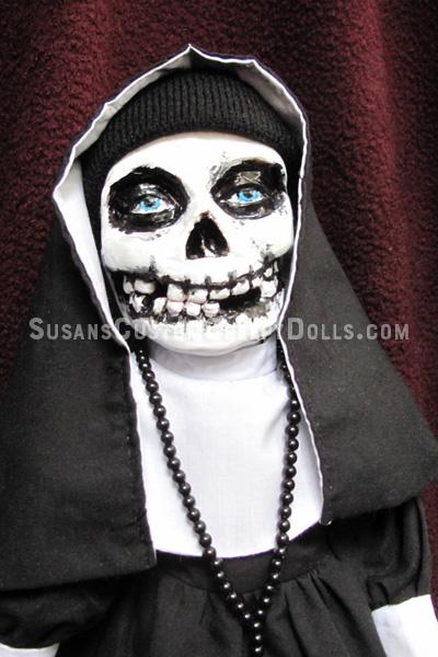 misfits-skull-nun-doll-face_BOURTON30.jpg