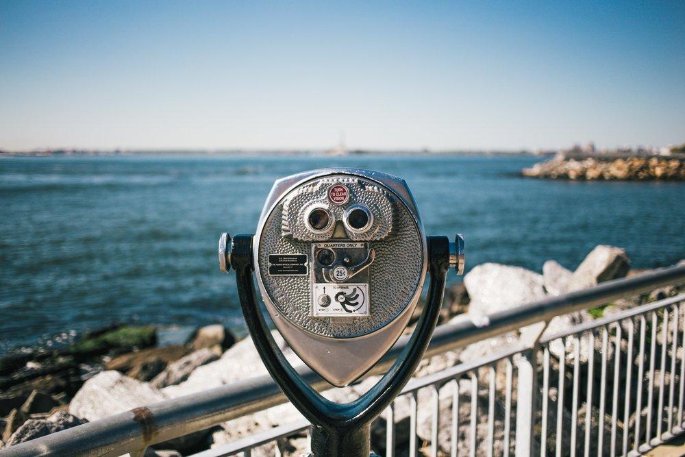 binoculars-looking-at-ocean_4460x4460.jpg