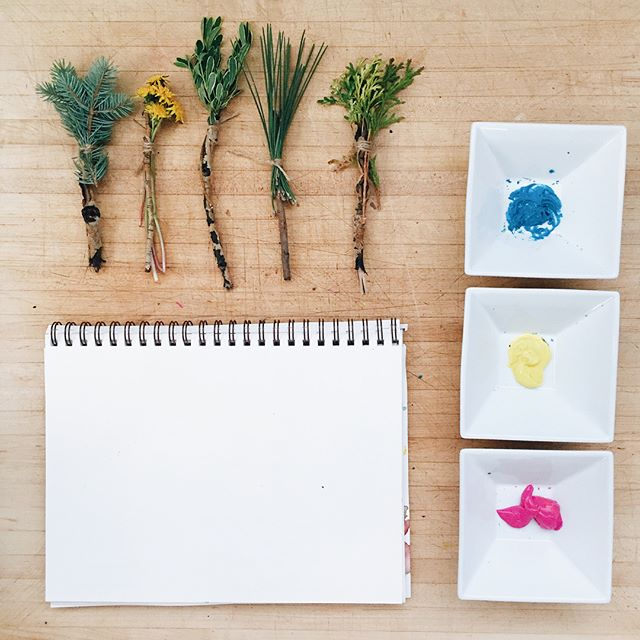 The process 🎨🌿 • • • . #Montessori #montessorieducation #parenting #toddler #lifeskills #playmatters #sesnsoryplay #practicallife #creativeplay #handsonlearning #toddlergames #preschool  #homeschool #lifeschool #montessoriathome #sensorybin #kids #love #life #playtime #playingislearning #finemotorskills #independentkids #education #igkids #❤️